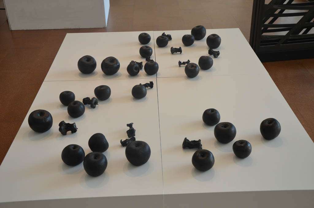 Black-Apples-Kiki-Smith-1_web